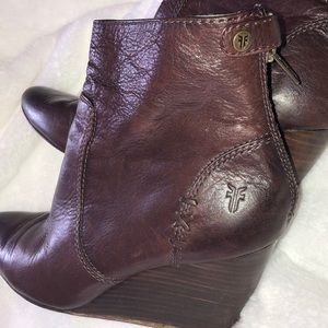 Frye Regina wedge boot size 8